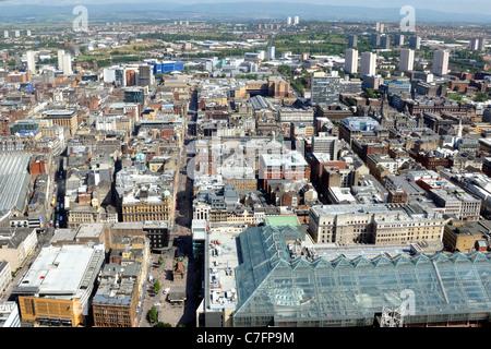"""Vue sur le centre-ville de Glasgow en Écosse, au Royaume-Uni, en Europe, à partir de l'air avec la """"maison de verre"""" Banque D'Images"""