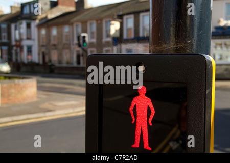 Sur les passages protégés pour piétons rouge fort à côté rue Great Yarmouth avec araignée Banque D'Images