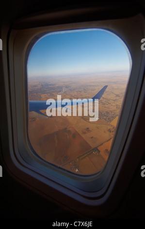 Vue de la fenêtre de l'avion