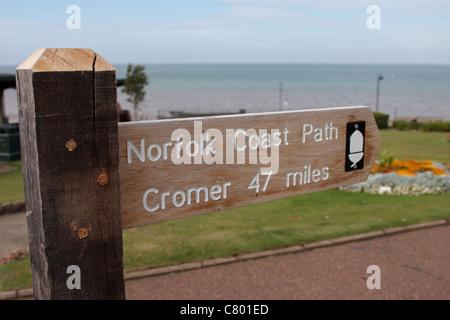 Panneau indiquant la route de la côte de Norfolk Norfolk Hunstanton UK Banque D'Images