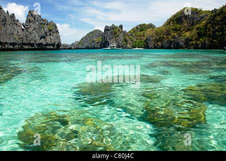 Philippines, Palawan, El Nido, docks de Miniloc lagoon bay Banque D'Images