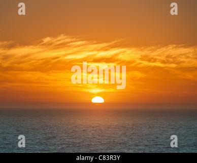 Soleil sur horizon Banque D'Images