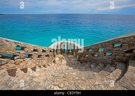 Vue sur les eaux turquoises sur Bonaire Banque D'Images
