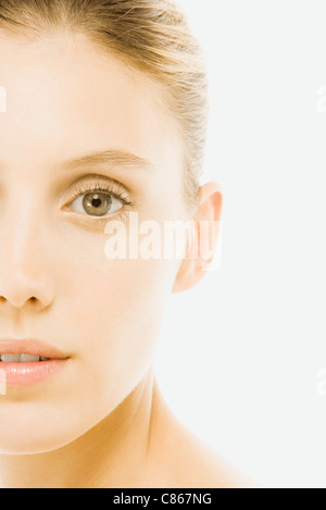 Young woman, looking at camera, portrait Banque D'Images