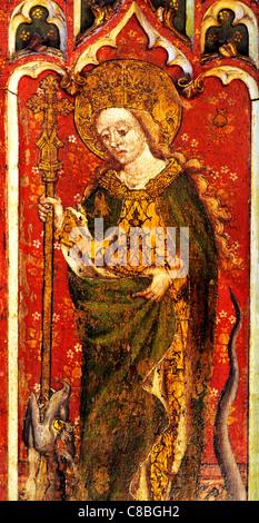 Filby, Norfolk, jubé, Sainte Marguerite d'Antioche avec crozier et femelle dragon saint saints English écrans médiévale Banque D'Images