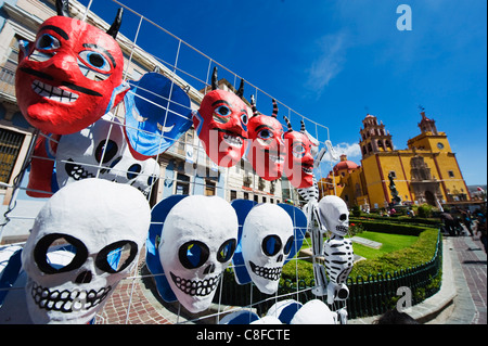 Les masques, de la rue du marché, de la Basilique de Nuestra Señora de Guanajuato, Guanajuato, UNESCO World Heritage Banque D'Images