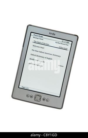 La France, la Grande-Bretagne, l'Europe. Nouveau Amazon Kindle wifi ebook reader livres liste page sur un fond blanc Banque D'Images