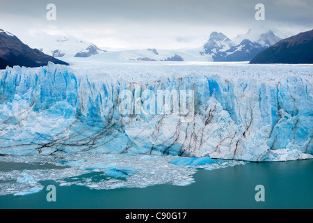 Le glacier Perito Moreno, Lago Argentino, le Parc National Los Glaciares, près d'El Calafate, en Patagonie, Argentine Banque D'Images