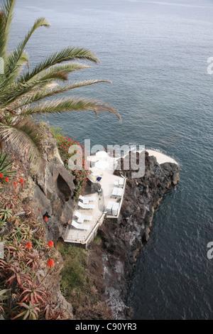 Madère est dans un groupe de l'île de l'Atlantique Nord et est une destination de vacances populaire. Deux caractéristiques Banque D'Images
