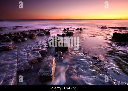 Crépuscule à Nash Point, la côte du Glamorgan, Pays de Galles du Sud Banque D'Images