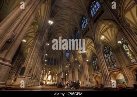 Intérieur de la cathédrale Saint-Patrick, New York City