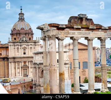 Temple de Saturne forum Romain Rome Italie Banque D'Images