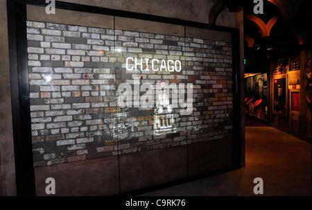 13 février 2012 - Las Vegas, Nevada, Etats-Unis - Une vidéo est projetée sur un morceau de Le mur de brique du 14 Banque D'Images