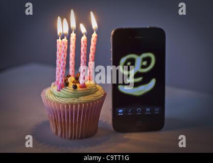 20 février 2012 - Londres, Royaume-Uni - 5ème anniversaire de l'iPhone.Le premier iPhone a été dévoilé par Steve Banque D'Images