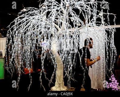 2012 - Las Vegas, NV- USA. Certaines des nombreuses choses sur l'écran, au cours de la 27e édition de Nuit & Bar Convention and Trade Show à Las Vegas NV. (Crédit Image: ©/ZUMAPRESS.com) Blevins génique