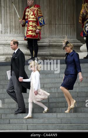 5 juin 2012 - Londres, Royaume-Uni - Prince Edward et Sophie, le comte et la comtesse de Wessex avec leur fille Lady Louise Windsor assister au Jubilé de diamant de la reine Elizabeth II à la cathédrale Saint-Paul à Londres . Zuma/ Alamy Live News
