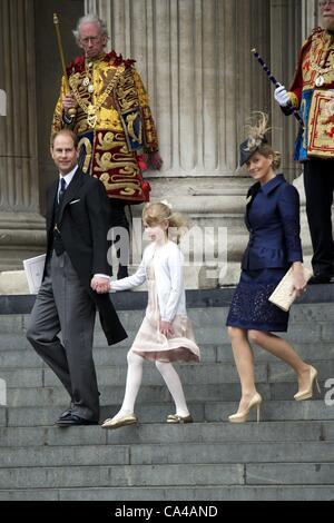 5 juin 2012 - Londres, Royaume-Uni - Prince Edward et Sophie, le comte et la comtesse de Wessex avec leur fille Lady Louise Windsor assister au Jubilé de diamant de la reine Elizabeth II à la cathédrale Saint-Paul à Londres. Zuma/ Alamy Live News