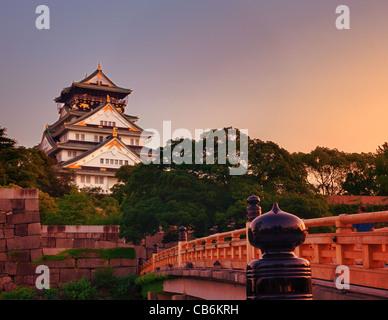 Le Château d'Osaka à Osaka, Japon. Banque D'Images