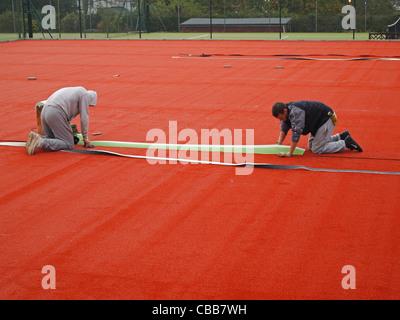 Construction de terrains de tennis en terre battue synthétique ...