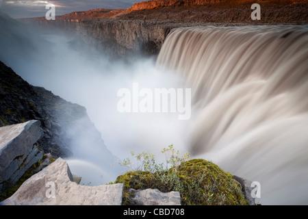 Plus de cascade paysage rural Banque D'Images