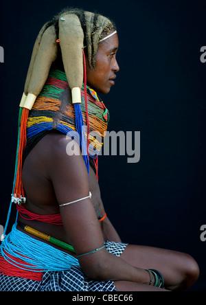 Mwila femme portant le collier Vilanda, Chibia, Angola Banque D'Images