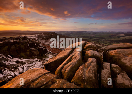 Curbar hiver sur Edge, parc national de Peak District, Derbyshire, Angleterre, RU Banque D'Images