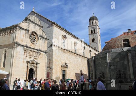 L'église St Sauveur et monastère franciscain, Dubrovnik, Dubrovnik-Neretva, Croatie, Balkans, Mer Adriatique, de l'Europe