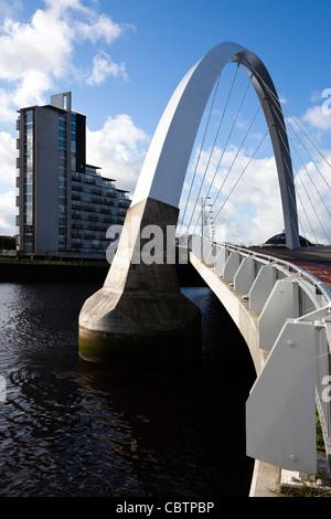 Pont d'Arc de Glasgow, connu localement sous le pont aux, parce qu'il est fait à un angle, la connexion et l'Anderston Govan, Glasgow, Ecosse.