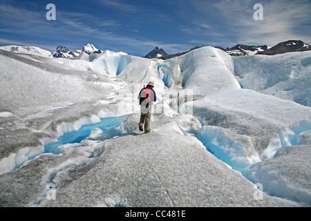 Balades touristiques sur le glacier Perito Moreno dans le Parc National Los Glaciares, Patagonie, Argentine Banque D'Images