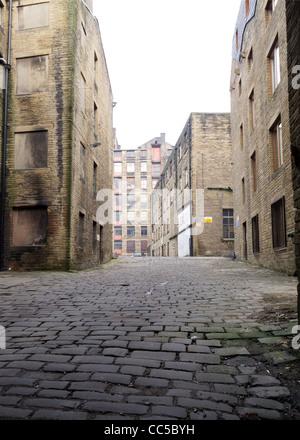 La dégradation du milieu urbain dans la région de Bradford - La zone autour de l'ancien moulin d'usines Banque D'Images