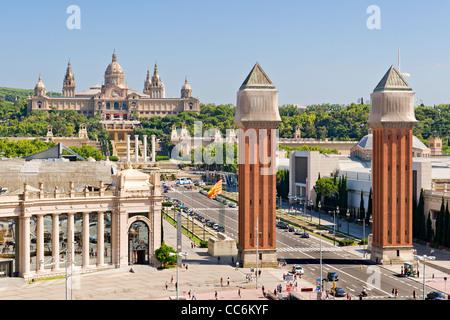 Placa Espanya à Barcelone et Palais National Banque D'Images