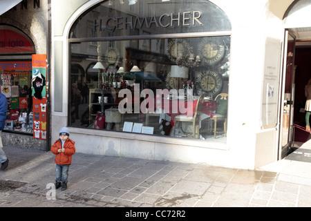 En dehors de l'enfant H. GEHMACHER SHOP Salzbourg Autriche 27 Décembre 2011 Banque D'Images