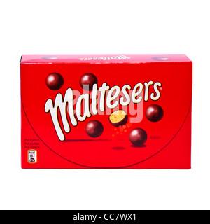 Une boîte de chocolats Maltesers sur fond blanc Banque D'Images
