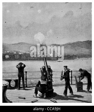 30 Décembre 1916 3 bombardier allemand bombardé Salonique marine britannique à bord de navires anti aircraft gun shot one down gunner crew