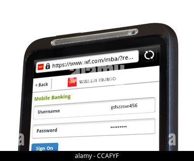 La connexion à des services mobiles en ligne avec la Wells Fargo Bank sur un smartphone HTC Banque D'Images