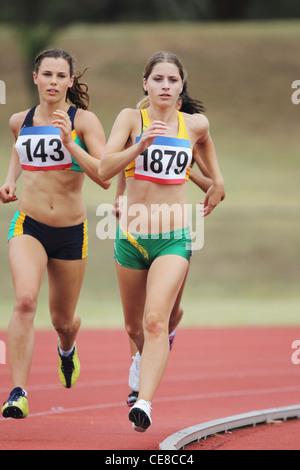 Dames sur Racetrack Banque D'Images