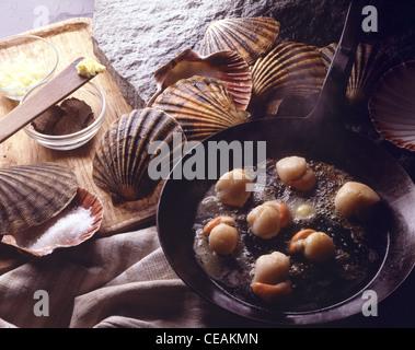 Encore: dans le beurre, truffes poulet en tranches Banque D'Images