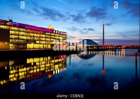 Centre des sciences de Glasgow & Tower avec BBC Scotland, Glasgow, Scotland, UK . Banque D'Images