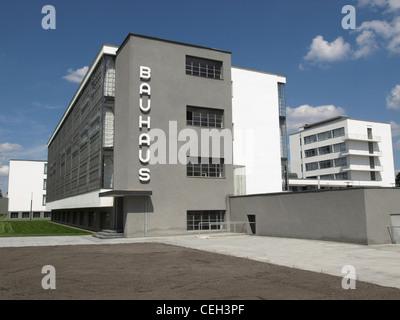 Bauhaus, Dessau (près de Berlin), Allemagne - iconical chef d'oeuvre de l'architecture moderne conçu en 1925 par Banque D'Images