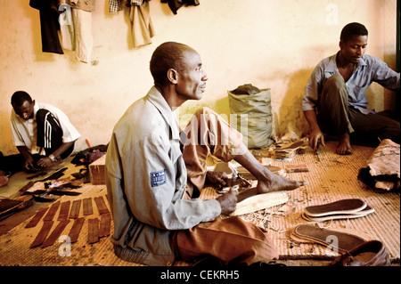 Les travailleurs du cuir d'Afrique à Niamey, Niger Banque D'Images