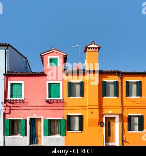 Burano, l'île de maisons colorées traditionnelles Banque D'Images