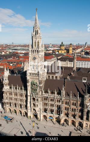 La nouvelle Mairie, Marienplatz, Munich, Allemagne. Banque D'Images