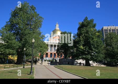 La Massachusetts State House, vue du Boston Common, à Boston, Massachusetts, United States.