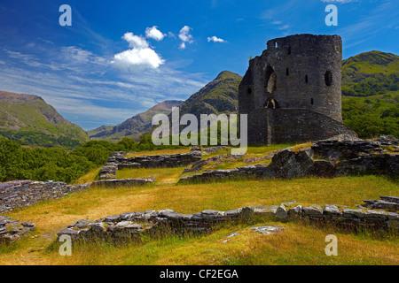 Château de Dolbadarn, un château du 13ème siècle construit par Llywelyn ap Iorwerth (Llywelyn le grand) à l'entrée Banque D'Images