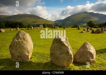 L'aube au cercle de pierres de Castlerigg en Cumbria. Banque D'Images