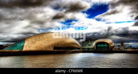 Le cinéma IMAX et Glasgow Science Centre de Pacific Quay à Glasgow. Banque D'Images