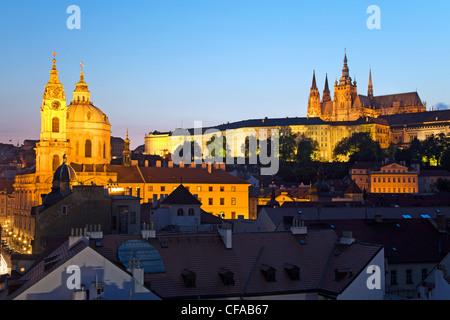 La Cathédrale Saint-Guy, et du quartier du château, Prague, République Tchèque Banque D'Images