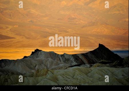 Zabriskie Point, Death Valley National Park, la plus chaude et la plus sèche des parcs nationaux aux Etats-Unis, Banque D'Images