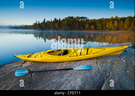 L'automne, Bunny Lake, près de Sioux Narrows, nord-ouest de l'Ontario, Canada Banque D'Images