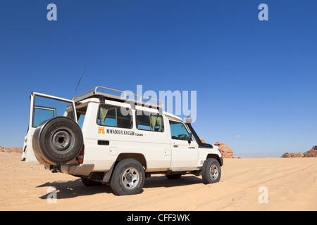 Safari en Jeep dans le désert du Sinaï, Égypte Banque D'Images